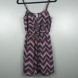 Xhiliration zip front patterned dress size M
